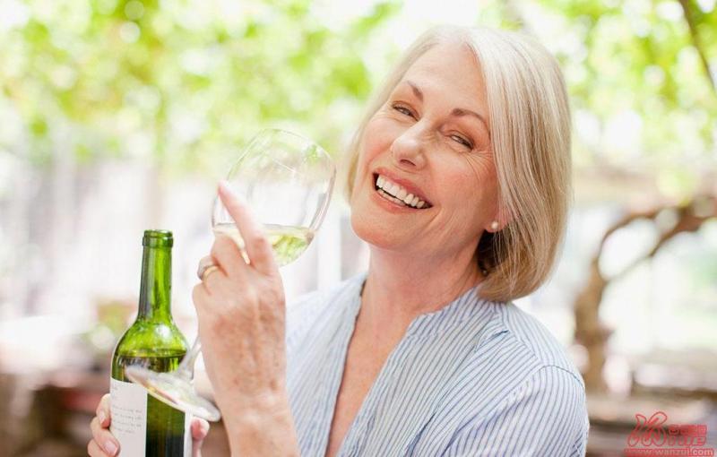 科学证实女性适饮葡萄酒可拥有健康晚年